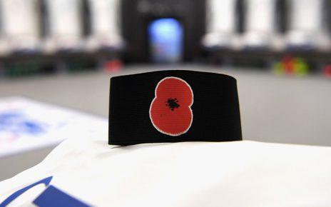 พฤศจิกายนเริ่มต้นเดือนแห่งการระลึกถึงทหารและบุคคลต่างๆ